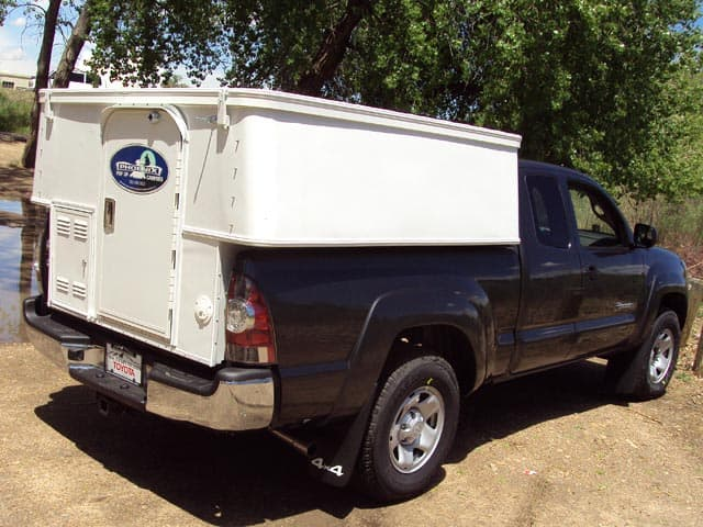 Half Truck Half Tractor Trailer Pick Up : Phoenix geo den truck camper