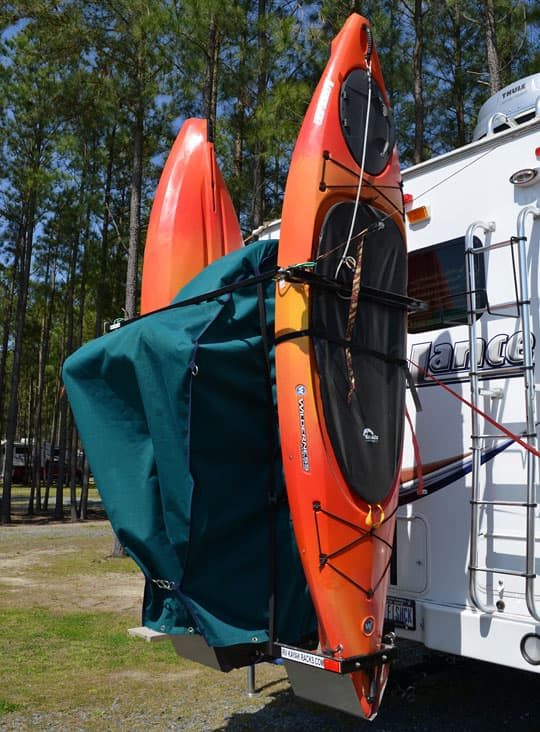 measuring-kayaks-truck-camper