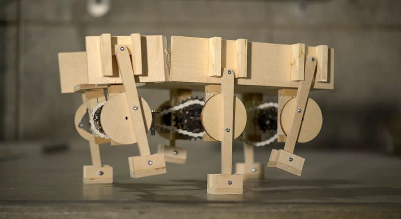 maquette models demonstrating how the platform and robotic legs