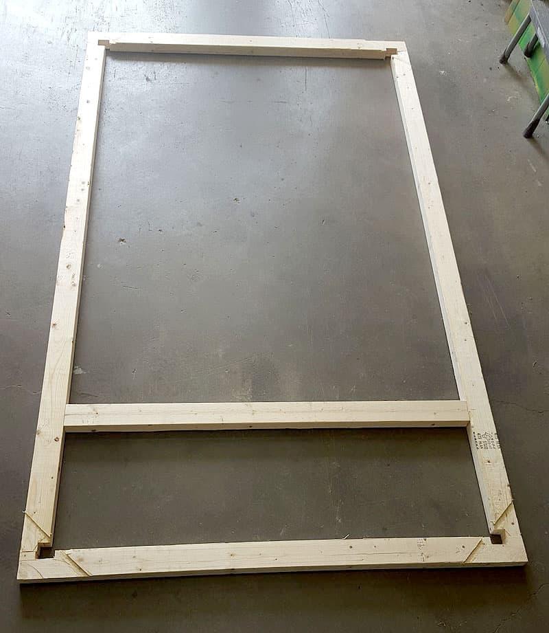 wood-under-camper-floor-platform